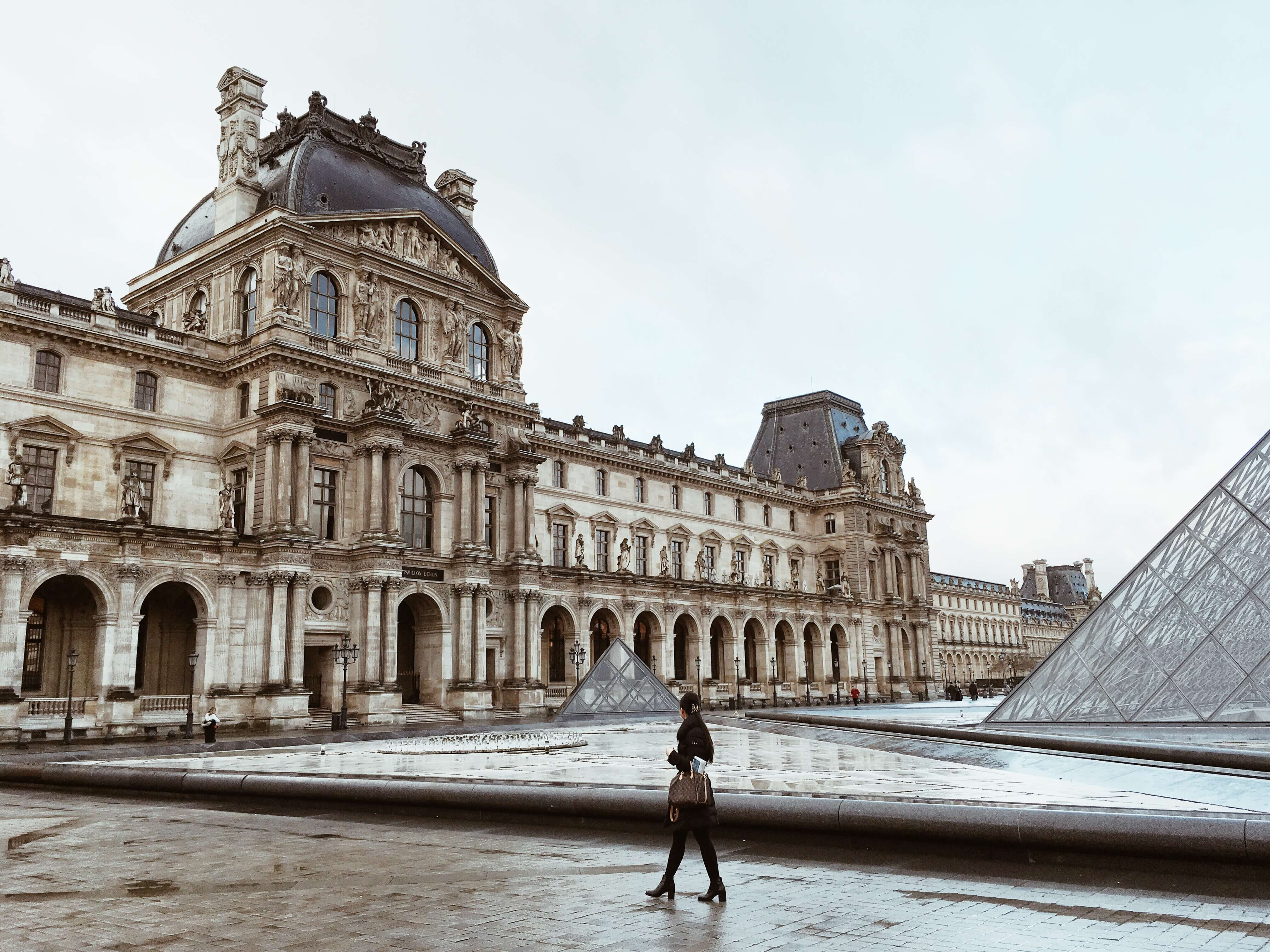 ホリデーシーズンの【パリ】で叶える、憧れのパリジャンシックな時間♡