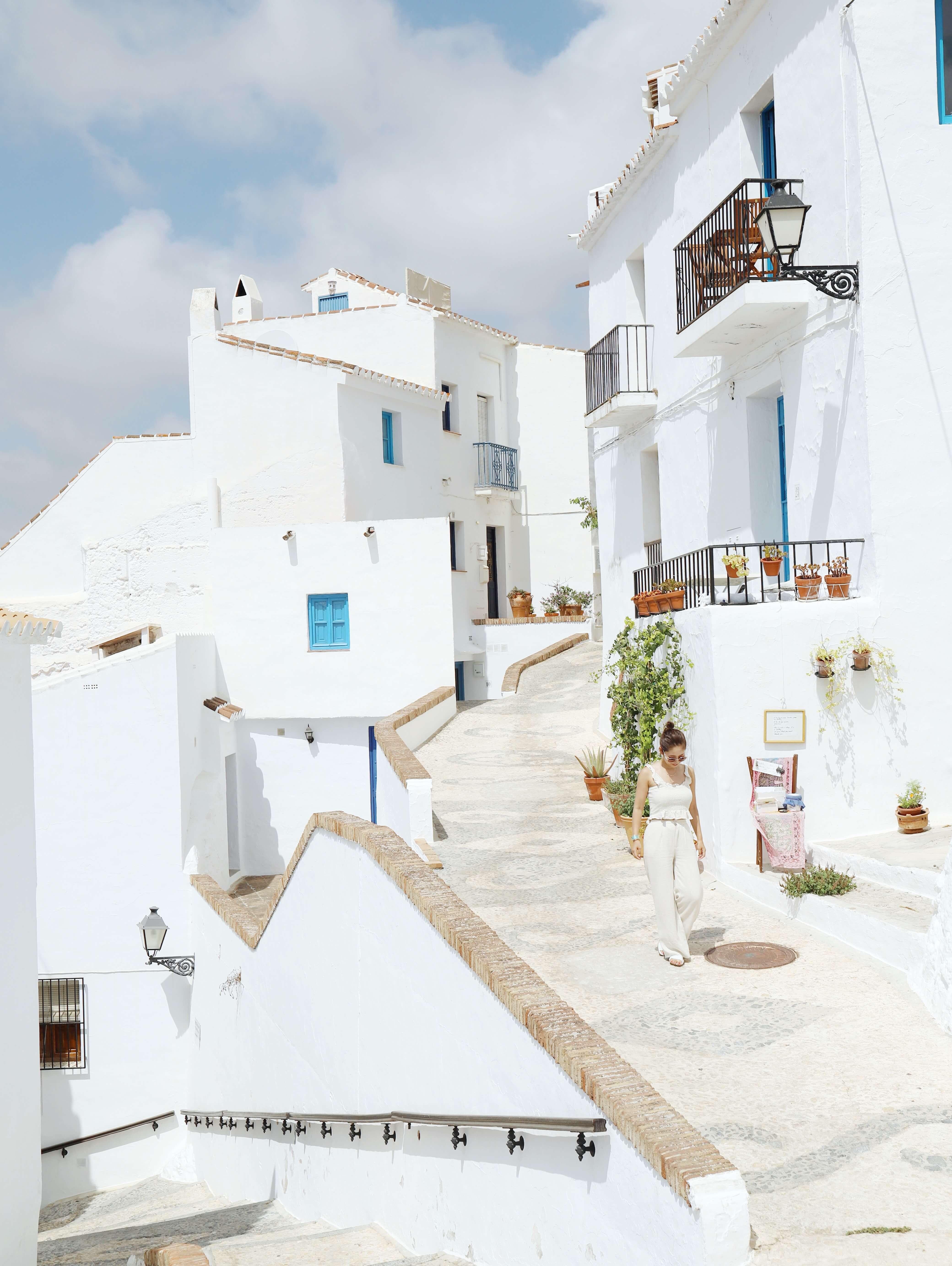 【スペイン周遊】アンダルシアの白い街巡り「ミハス・フリヒリアナ」。そして世界遺産アルハンブラ宮殿も!